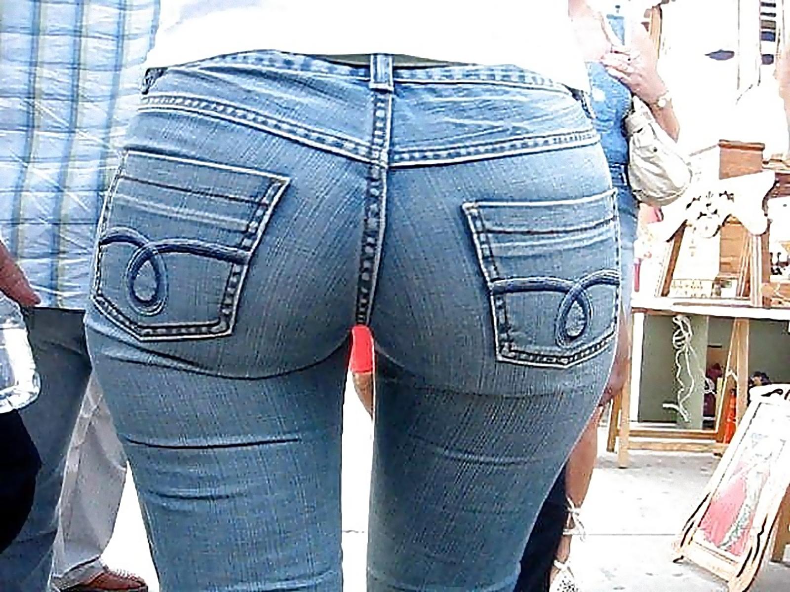 Фото красивой попы в джинсах 3 фотография